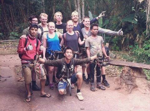 Hướng dẫn viên địa phương và du khách