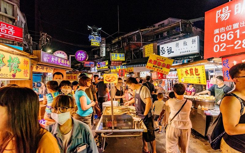 Chợ đêm là một địa điểm nhất định không được bỏ qua
