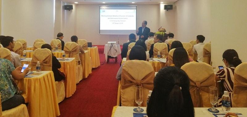 Lãnh đạo Bộ Du lịch Campuchia giới thiệu hoạt động du lịch tại buổi gặp gỡ tiếp xúc tại ĐN