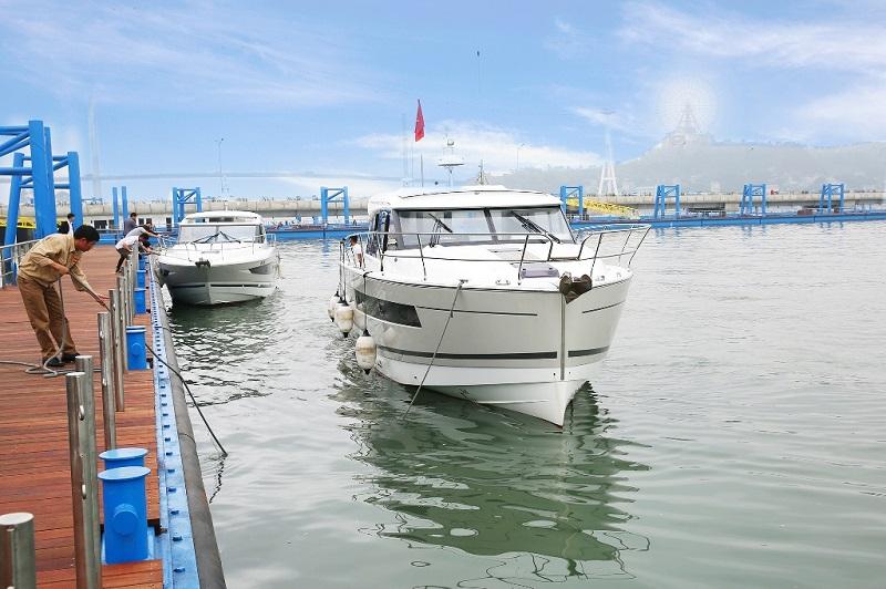 du thuyền Quảng Ninh