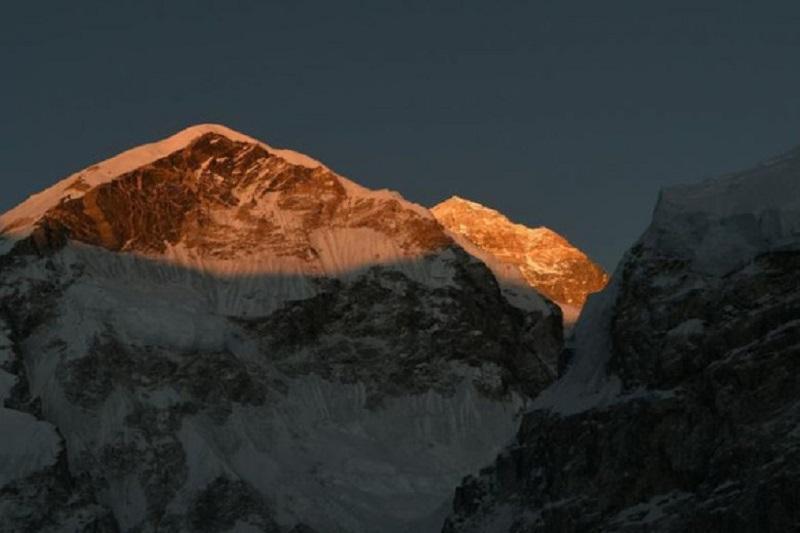 Everest là đỉnh núi cao nhất thế giới