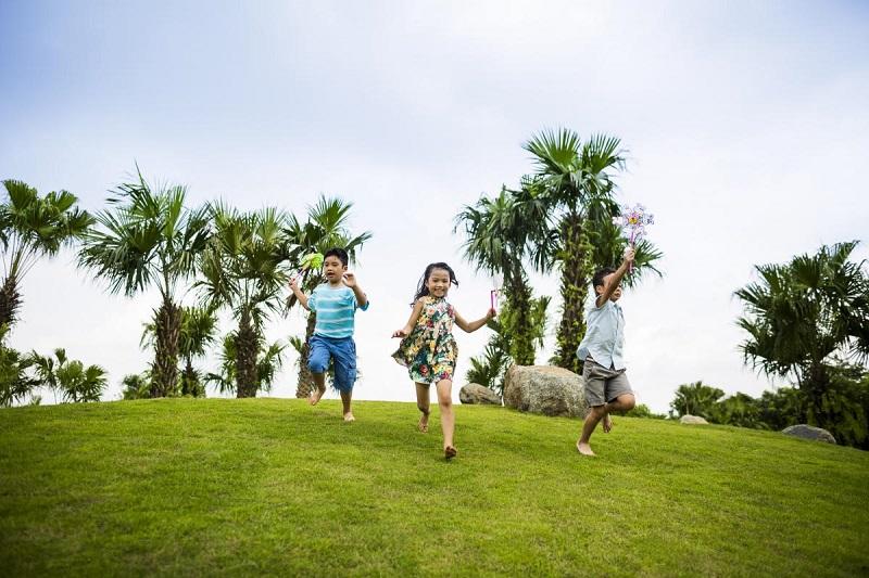Trẻ em vui chơi tại TP Xanh-Ecopark