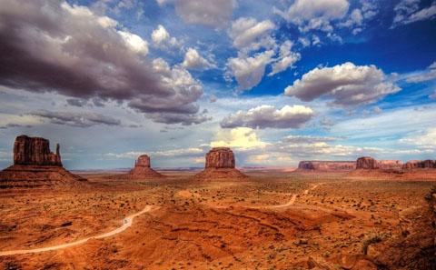Thung lũng tượng đài