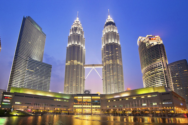 Chon ve di Malaysia mua sam va an uong tai cho Pasar Seni