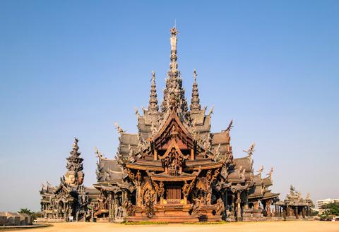 Ngôi chùa Chân Lý.