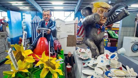 Tổng thống Thổ Nhĩ Kỳ cũng là một nhân vật thường được lấy làm đề tài châm biếm khác.