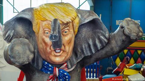 Hình ảnh châm biếm ông Trump trong một cửa hàng Trung Quốc