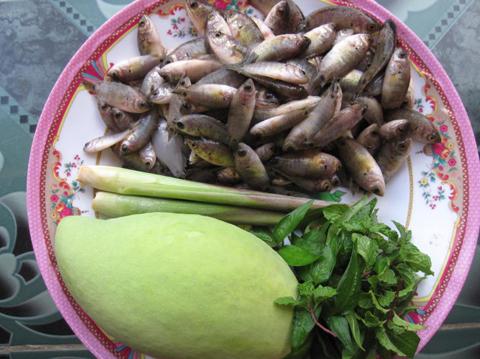 Nguyên liệu món cá rô đồng.