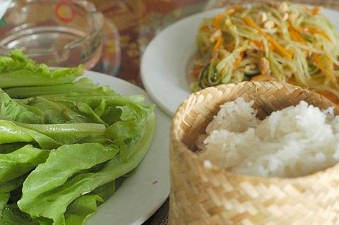 5 món ăn ngon khó cưỡng khi đến du lịch Lào