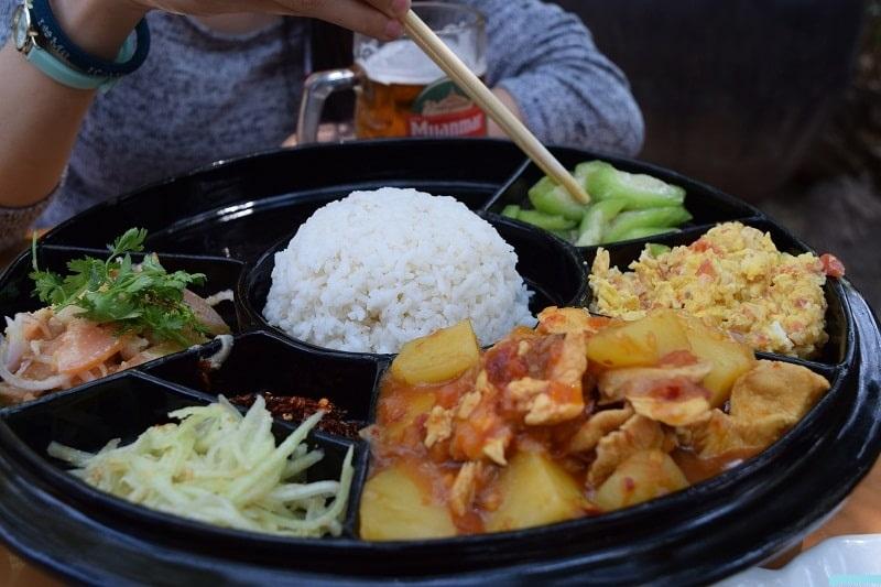 Ẩm thực Myanmar đa dạng trong từng món ăn