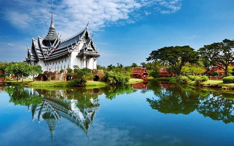 Cung Điện Dusit Maha Prasat được tái hiện ở Ancient City