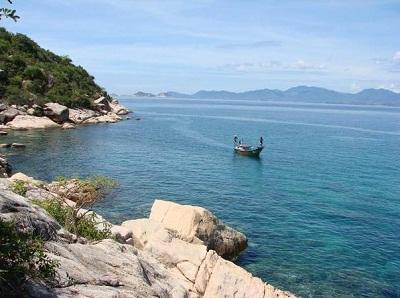 Vẻ đẹp trong xanh ở biển Ninh Chữ