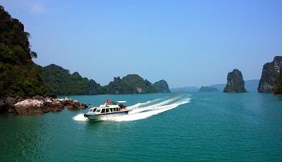Tàu cao tốc đi biển Quan Lạn