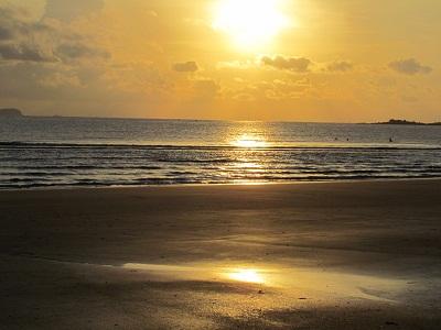 Du lịch biển Thiên Cầm thả hồn vào sóng biển