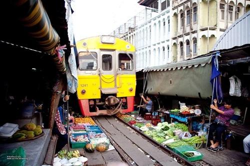 Người dân địa phương các dân tộc thiểu số trong một phiên chợ.