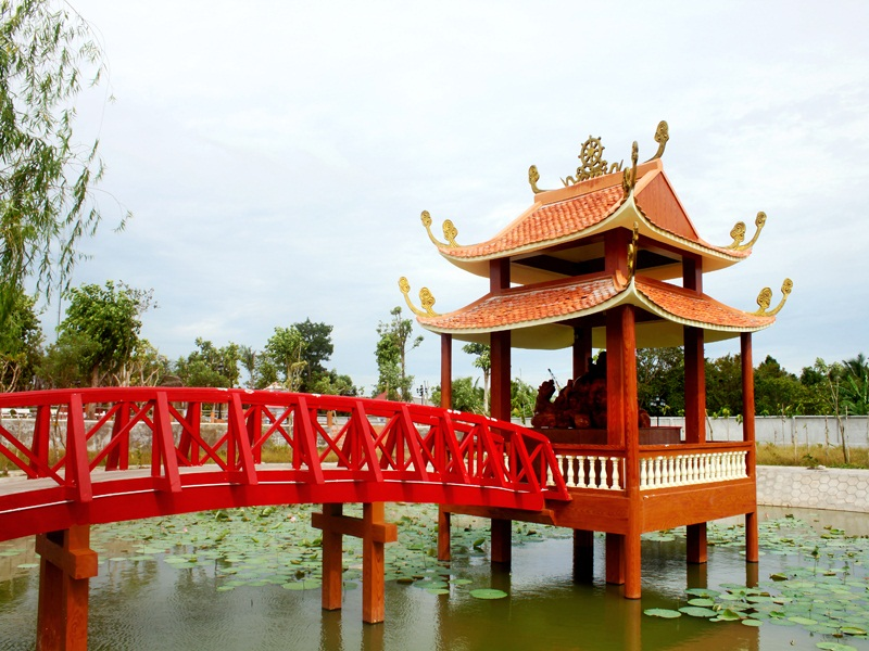 Hồ sen trong Thiền viện