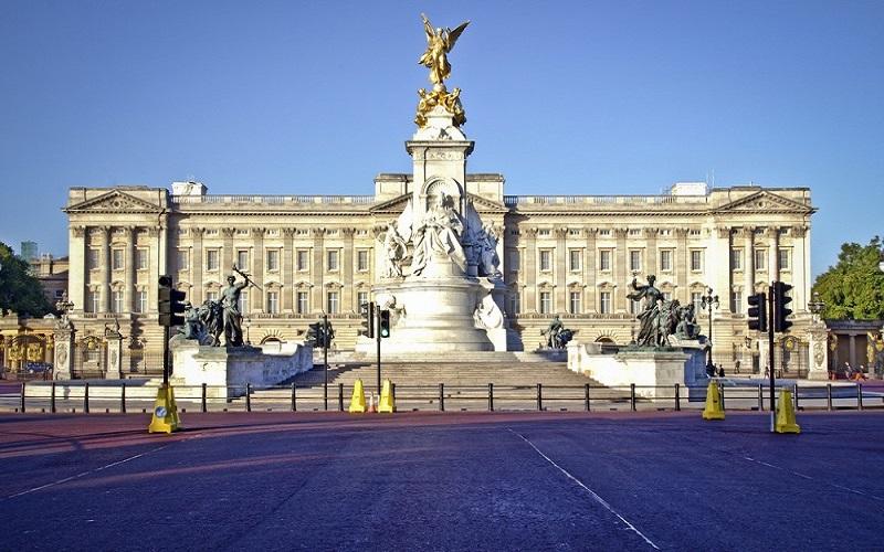 Buckingham nguy nga, tráng lệ