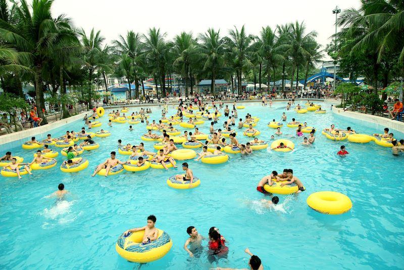 Công viên nước cũng là một điểm đến lý tưởng vào mùa hè mà bất kỳ bạn trẻ nào nên một lần ghé tới