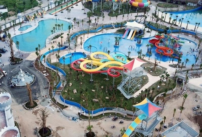 Là một tổ hợp công viên nước, bể bơi bốn mùa, nhà thi đấu đa năng thì Thanh Hà có thể là quần thể lớn nhất Hà Nội