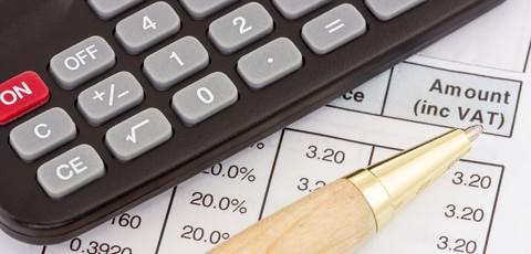 Giữ lại các hóa đơn khi mua sắm để hoàn thuế VAT