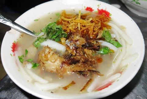 Mua ve di Da Nang thuong thuc banh canh ca ngon bo re