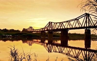Du lịch Hà Nội - cầu Long Biên