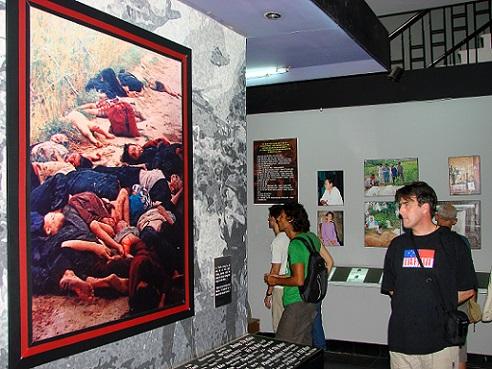 Những điều khách quốc tế thường làm khi đến Hà Nội