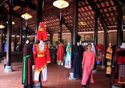 Nhà truyền thống làng lụa Hội An