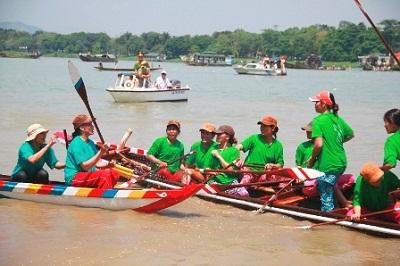 Du lịch Huế - lễ hội đua thuyền