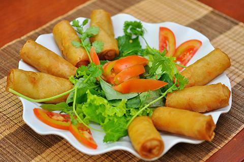 Thưởng thức ẩm thực chay đặc trưng của xứ Huế