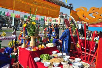 Đặc sắc với lễ hôi cá voi Nha Trang