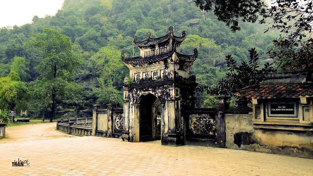 Về đất cố đô Hoa Lư thăm Lăng vua Đinh, vua Lê