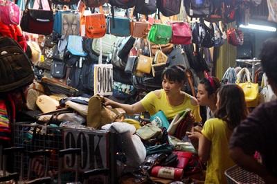 Mua sắm khi du lịch Sài Gòn