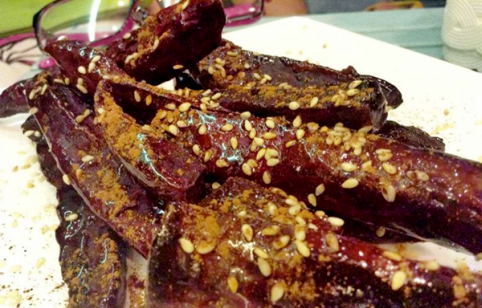 Khoai caramel Sai Gon lam du khach quoc te thich thu