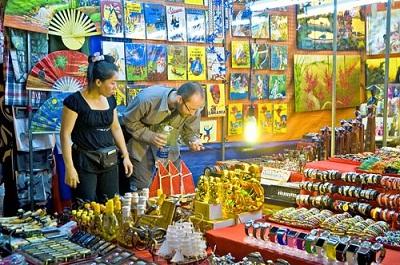 Cùng mua sắm khi du lịch Sài Gòn