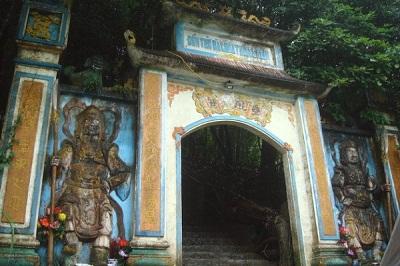 Du lịch Tam Đảo - Đền bà chúa thượng ngàn