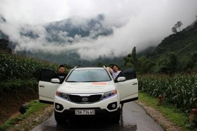 Du khách du lịch Xuyên Việt