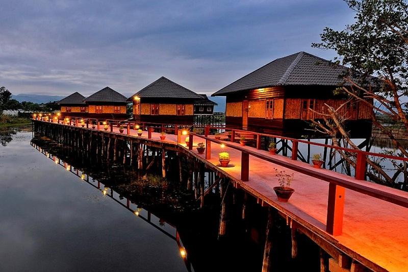Khu resort Shwe Inn Tha nằm ở trung tâm lãnh thổ bộ lạc Inntha