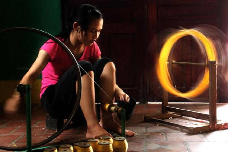 Làng Vọng Nguyệt nổi tiếng với việc nuôi tằm dệt tơ