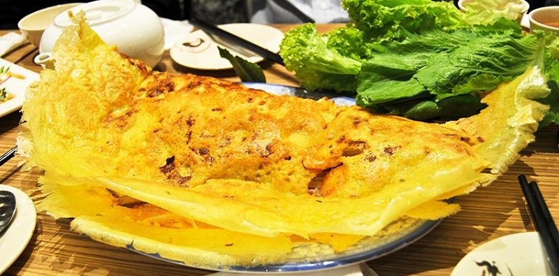 Bánh xèo Long Xuyên vàng giòn