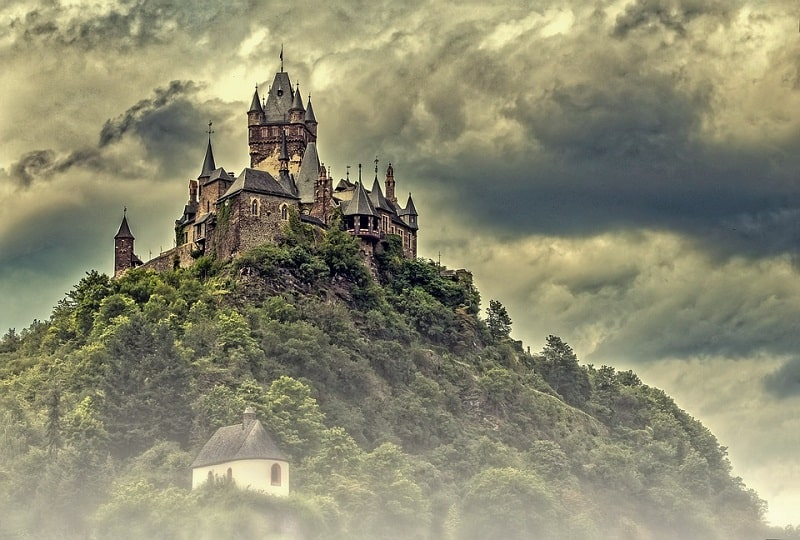 Vẻ đẹp huyền ảo nhưng hùng vĩ của lâu đài Cochem
