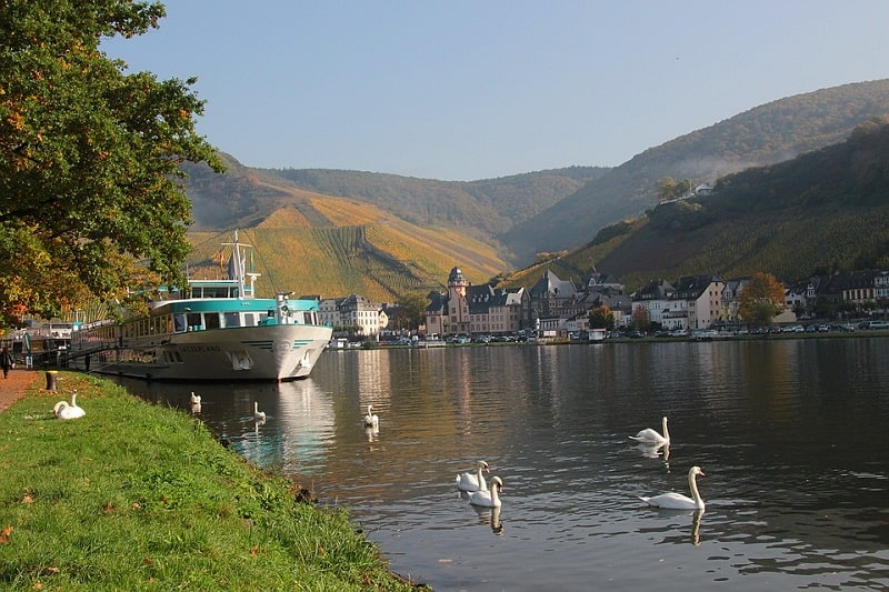Vẻ đẹp mộng mơ của dòng sông Moselle xinh đẹp
