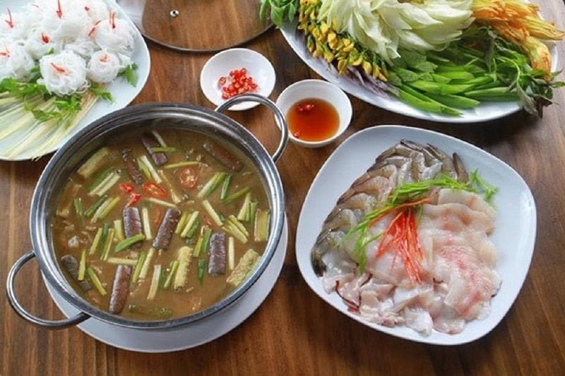 Lẩu mắm một món ăn đặc sản của vùng sông nước miền Tây
