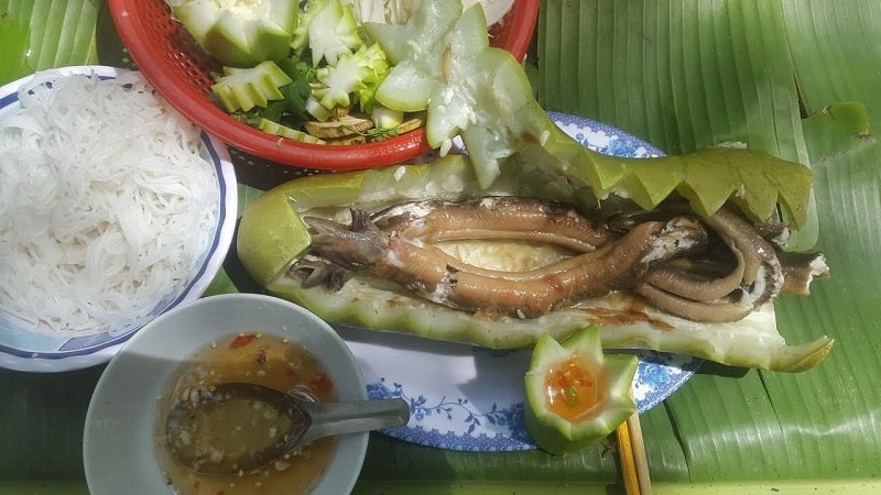 Lươn hấp bầu ngọt thanh bổ mát
