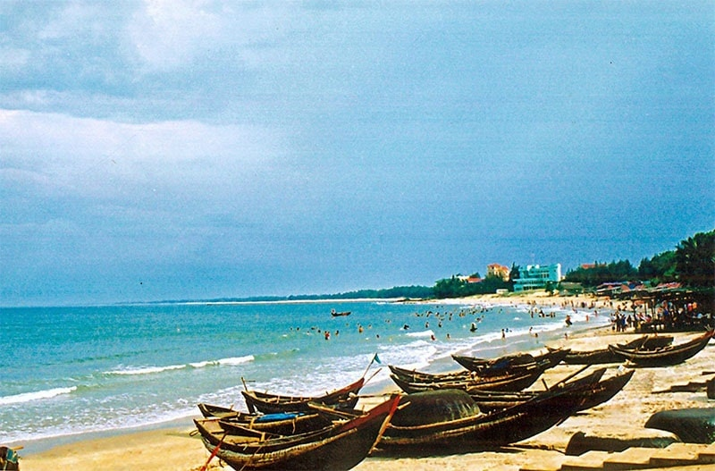 Nét đẹp bình yên trong xanh của biển Cửa Lò