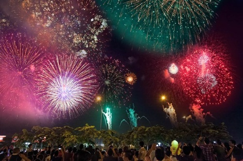 Nhiều lễ hội tại Đầm Sen dịp lễ