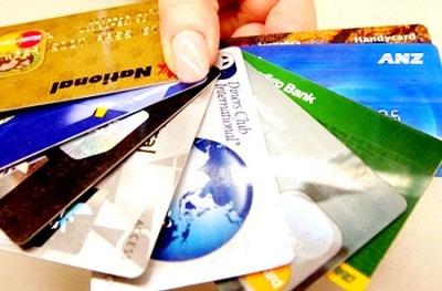 Thẻ tín dụng và tiền mặt khi du lịch Singapore