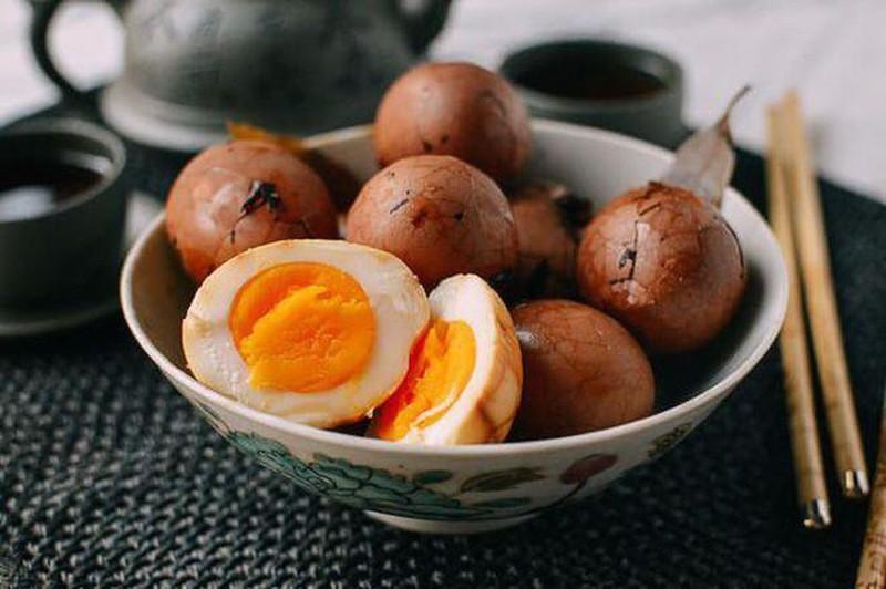 Đây là một món ăn được bán khá rộng rãi trên các đường phố Thượng Hải, từ các quầy báo cho đến các cửa hàng tiện lợi