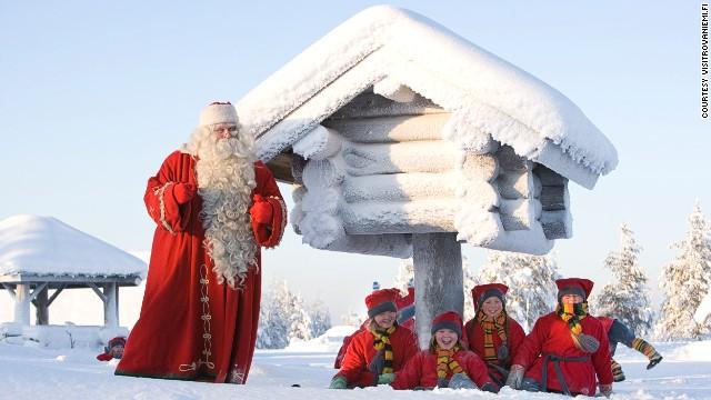 Lạ lẫm với vùng đất quanh năm có lễ Giáng Sinh
