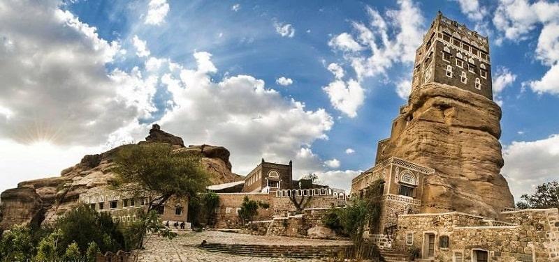 Dar Al Hajar là công trình kiến trúc đá nổi tiếng của đất nước Yemen
